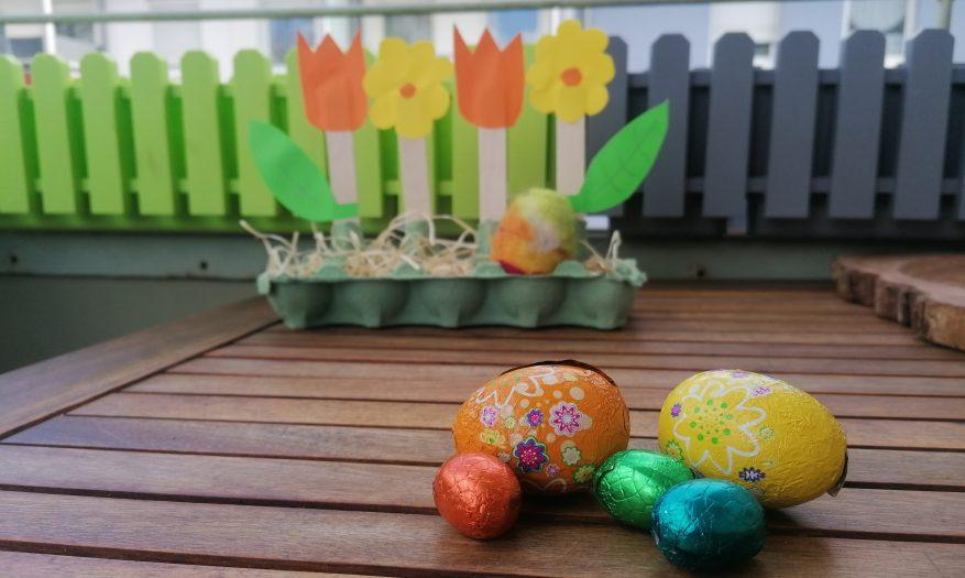 Blumiges Osternest aus Eierkartons